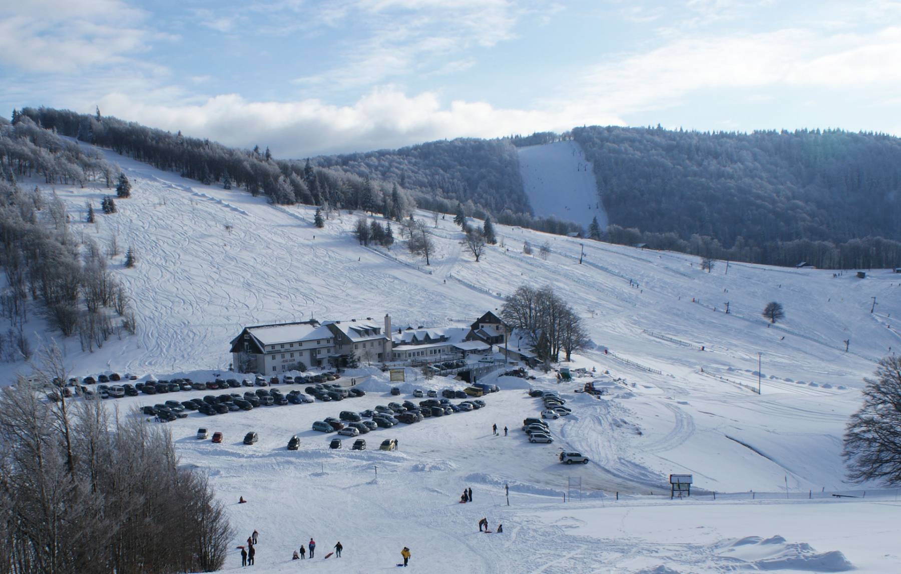 location ski rouge gazon